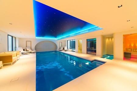 pool_with_ceiling_colour_wash_1.jpg