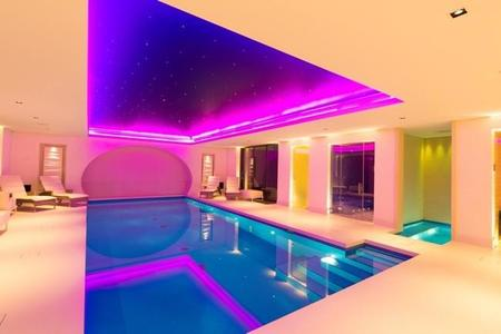 pool_with_ceiling_colour_wash_2.jpg